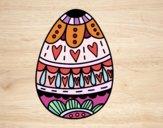 Oeuf de Pâques avec des coeurs