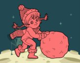 Petite fille avec grosse boule de neige